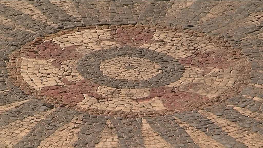 17_03_28_fouilles_archeologiques_uzes-00_00_13_19-2973393