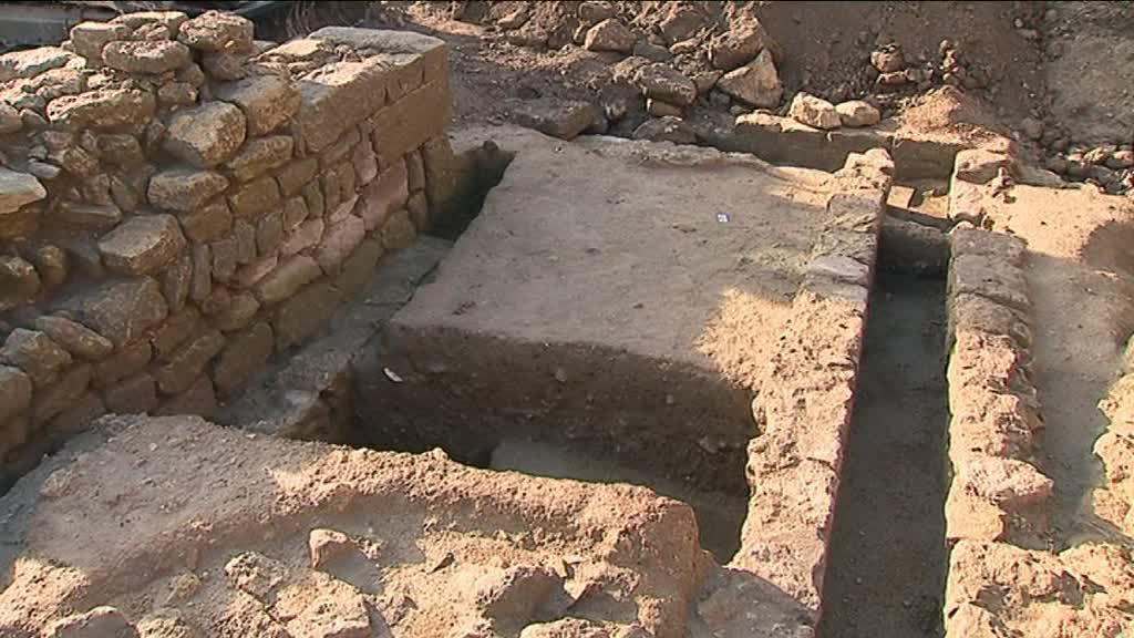 17_03_28_fouilles_archeologiques_uzes-00_00_58_03-2973389